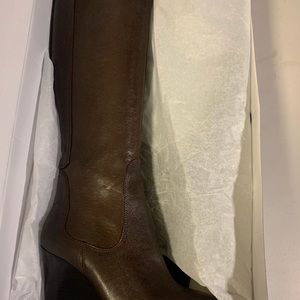 Woman's boots knee high